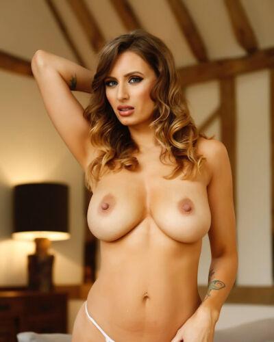 SAMMY BRADDY 27 Nude Glamour Photos-Mugs-Keyrings-Rock Slate Photo
