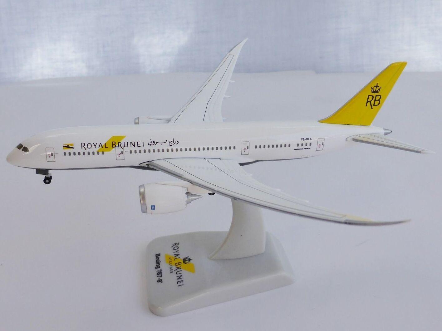 Boeing 787-8 Royal Brunei Airlines 1 400 Hogan Wings 5385 787 v8-dla