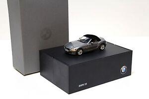 1-43-Norev-BMW-Z4-E85-Roadster-grey-DEALER-NEW-bei-PREMIUM-MODELCARS
