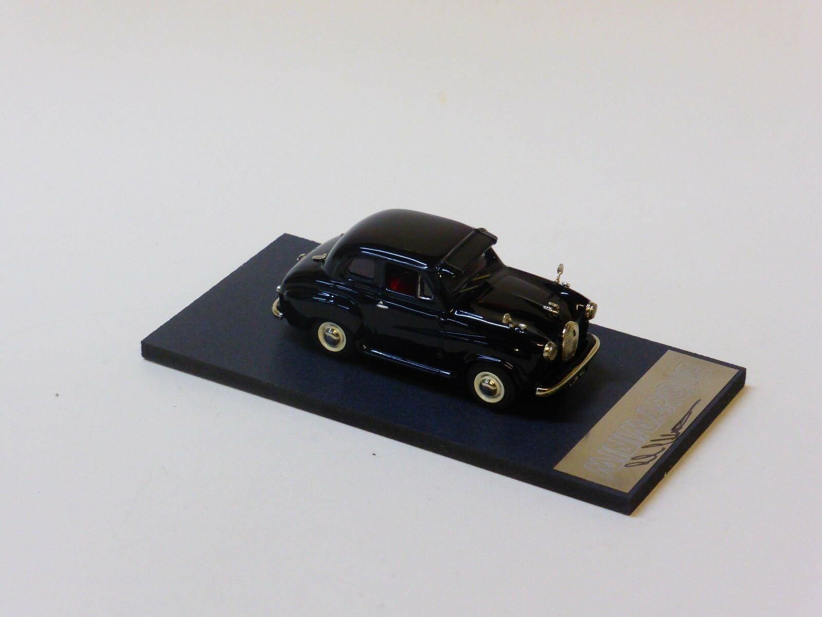 GRB117 Minimarque Modellls, Austin A30 1 43 Ltd ed Modellll by Illustra Modellls