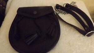 best cheap 46ab0 011c1 Classique Celtique noir en cuir estampé Kilt Sporran y compris taille  chaîne-afficher le titre ...