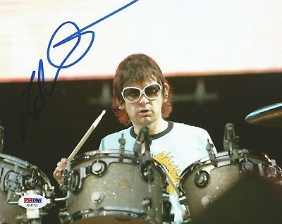 a Comfortable And Easy To Wear Sporting Zak Starkey The Who Drummer Signed Autograph 8x10 Photo Psa/dna Coa
