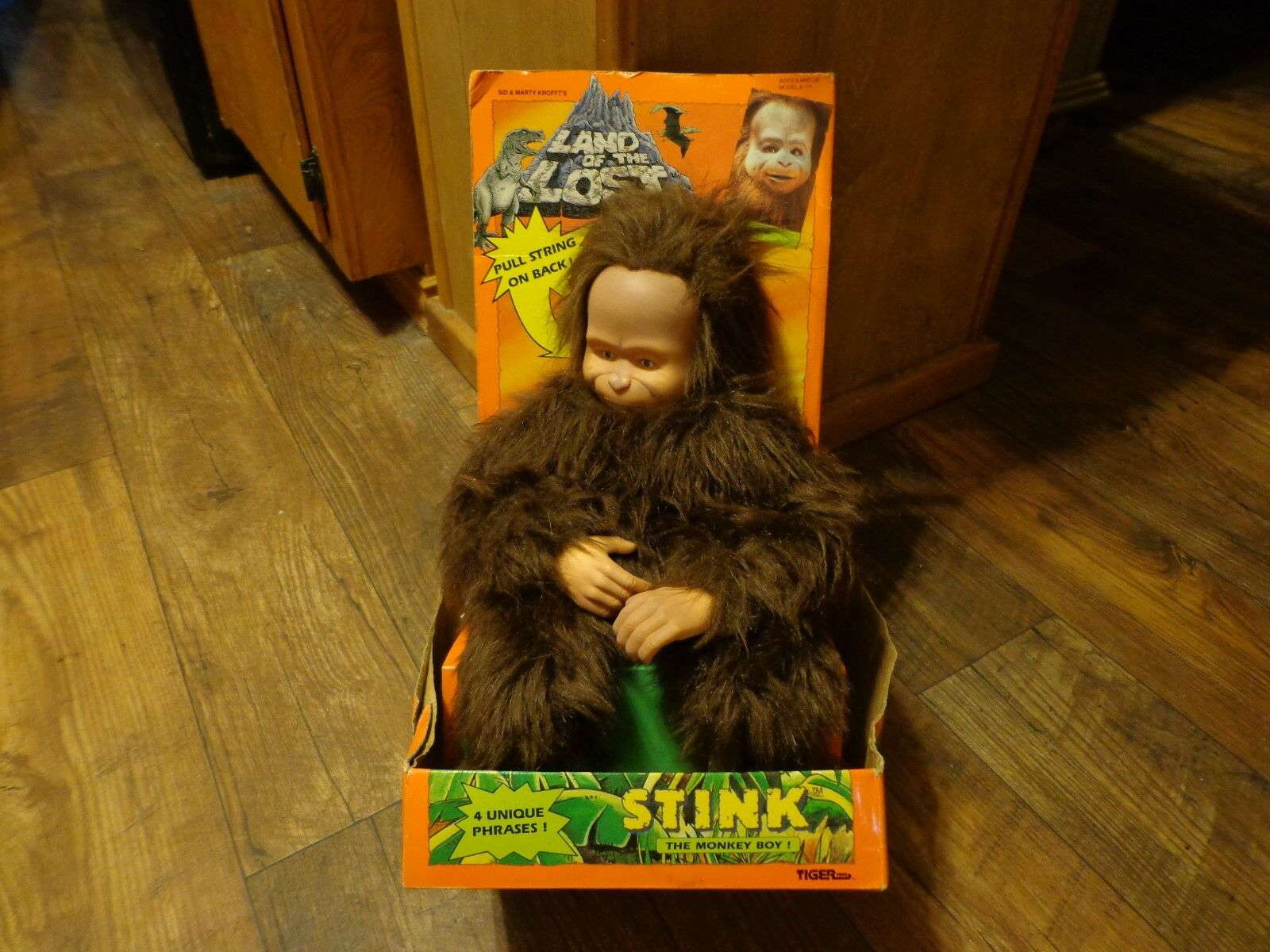 1992 TIGER TOYS-- LAND OF THE LOST--16