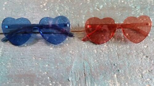 Sonnenbrille Herzform herzförmige Gläser durchgefärbt rot oder blau Hippie
