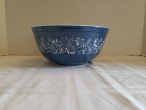Vintage Blue Pyrex Mixing Bowl Colonial Mist Blue Daisy  #403