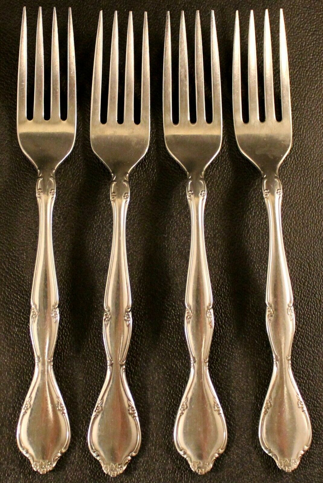 Lot de 4  Oneida S.S.S. LAKEWOOD TUXEDO dinner forks inoxydable 7 1 4