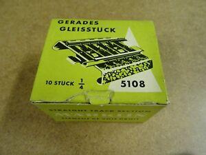 MARKLIN-5108-HO-BOXED-10-X-1-4-STRAIGHT-TRACK-SECTION