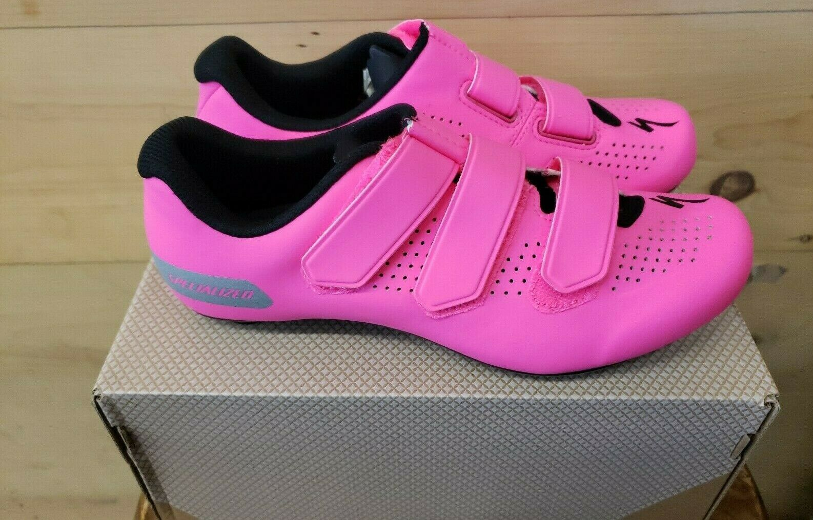New In  Box Specialized Torch 1.0 Road Women's Cycling shoes Size 37   6.5 Pink  at the lowest price