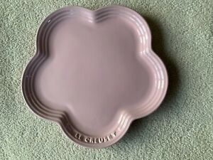Le-Creuset-Large-Flower-Plate-in-Chiffon-Pink-BNWT