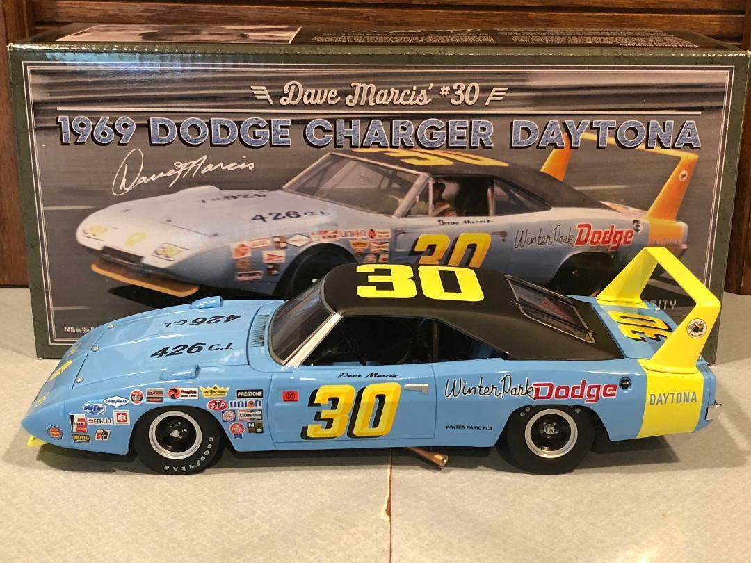 University of Racing 1969 DAVE MARCIS  30 Dodge Charger  Daytona 1 24  commandez maintenant profitez de gros rabais