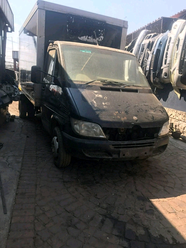 Mercedes sprinter stripping for spare parts