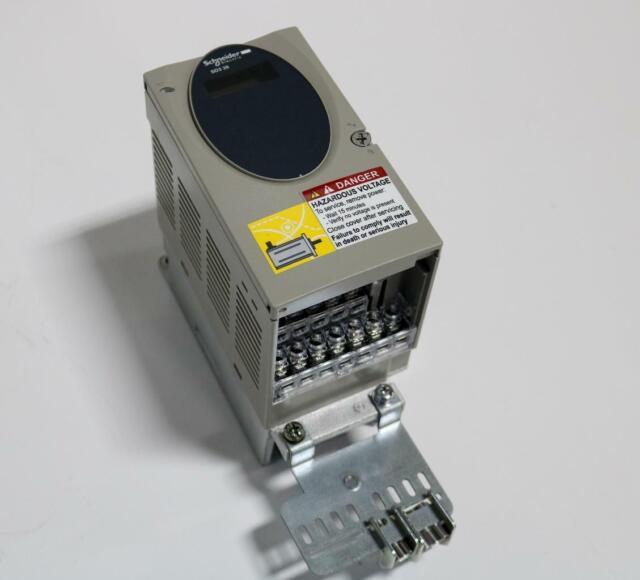 Schneider Electric SD328BU25S2 Motion control stepper drive Lexium SD3 New NFP