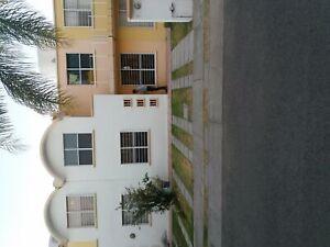 EXCELENTE OPORTUNIDAD Casa en Villa San Antonio cerca de Plaza Galerias Queretaro