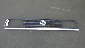 Kühlergrill, Kühlergitter, original Volkswagen Jetta II, 2. Ausf. Benzin, Diesel