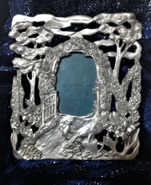 SEAGULL PEWTER, CANADA REPOUSSE ETAIN ZINN PHOTO / PICTURE FRAME SECRET GARDEN