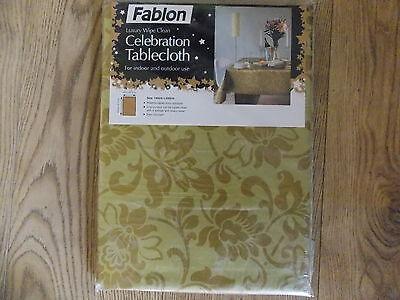 Fablon CELEBRATION LUXURY Table cloth HERITAGE DAMASK Gold effect 140cmx200cm NW