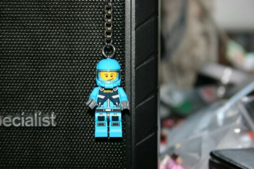 Lego blue spaceman key-ring brand new