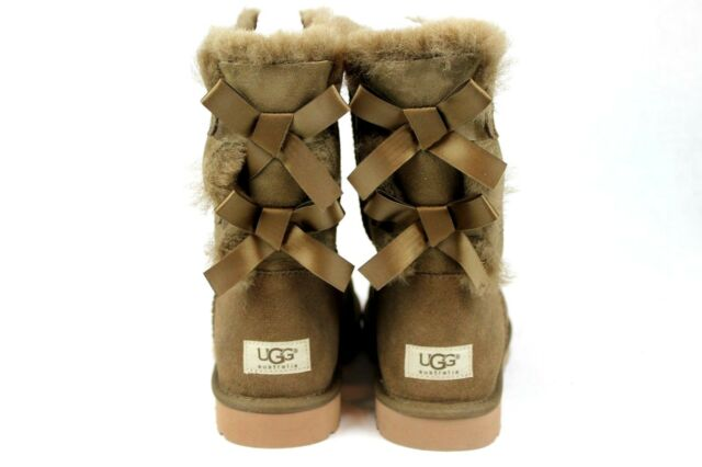 UGG BAILEY BOW SHEEPSKIN SUEDE BOOTS DRY LEAF BROWN SIZE 5 US