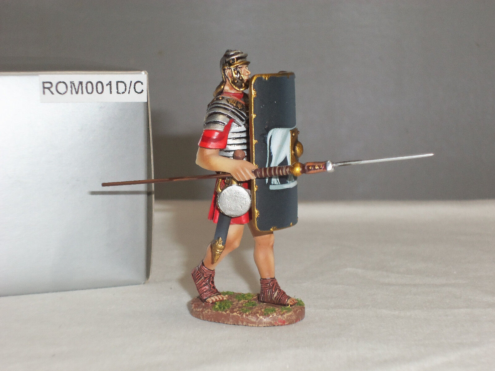THOMAS GUNN ROM001D C ROMAN LEGIONNAIRE ADVANCING WITH PILA LOWERED TOY SOLDIER