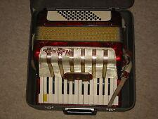 Beautiful used Hohner Concerto I accordion fisarmonica w. case