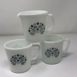 *Set Of 3 Pyrex D Handle White Coffee Cups Creamer Summer Impressions Navy Blue