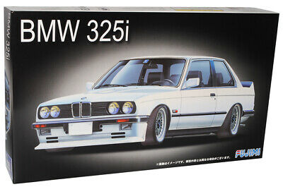 B-M-W 3er 325i E30 Coupe 3 T/ürer 1982-1994 Kit Bausatz 1//24 Fujimi Modell Auto mit individiuellem Wunschkennzeichen