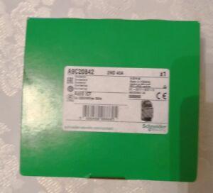 Contacteur Schneider 40A Ref A9C20842 NEUF