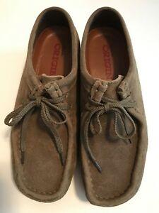Details about Clarks Originals Wallabee Suede Lace Up Low Profile Damen Schuhe