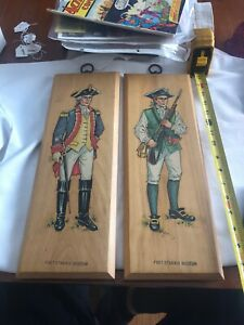 Vin-Wood-Wall-Plaque-Lot-of-2-Soldiers-Revolutionary-War-Fort-Stanwix-Rome-NY