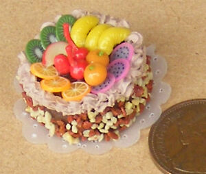 1-12-Scale-Cake-With-Chocolate-Icing-Dolls-House-Miniature-Food-Accessory-NC63