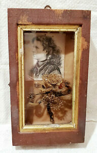 ANTIQUE-Victorian-Folk-Art-MOURNING-BLONDE-HAIR-WREATH-SHADOW-BOX-Remembrance