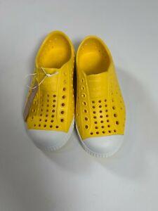 Crayon Yellow//Shell White M Toddler Native Unisex-Baby Jefferson Child Water Shoe
