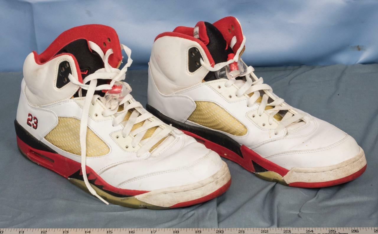 Nike Air Jordan Retro V Fire Red 136027 162 Sz 13 Black Red dq