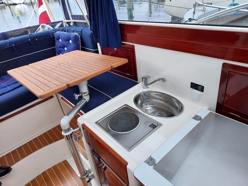 Aquador 23 HT, Motorbåd, årg. 2008
