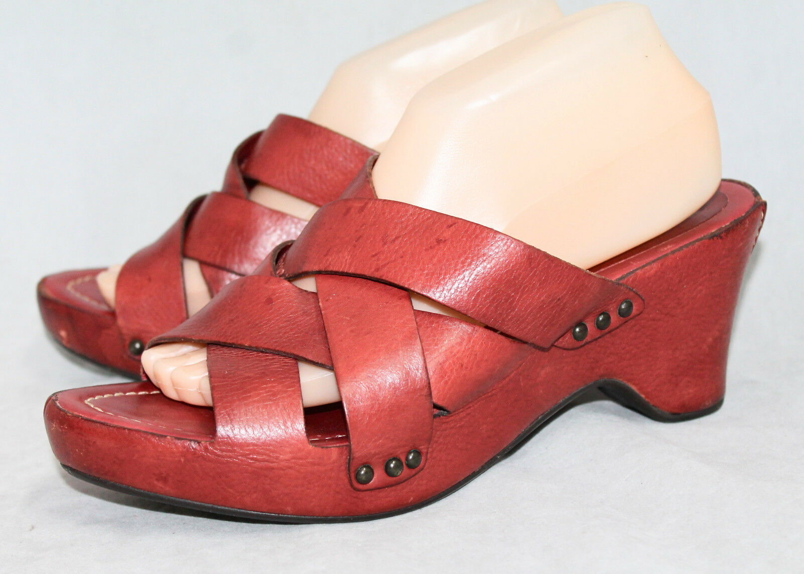 FRYE 73715 Thomasville Wo's 10B Red Woven Strappy Leather Mules Slides