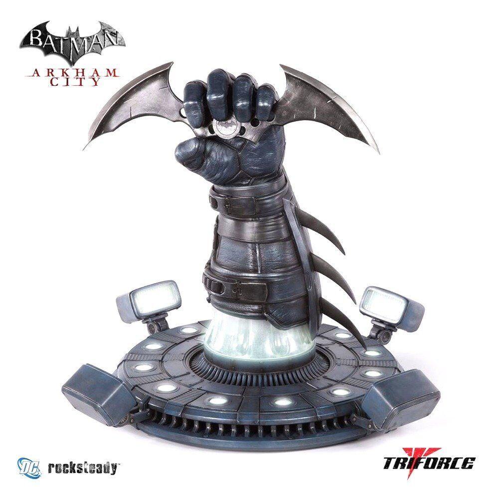 TRIFORCE Batman  Arkham City - Batarang Full Scale Replica NEW
