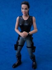 Toy Figure - LARA CROFT - Playmates Toys Tomb Raider 2001 Approx 6""