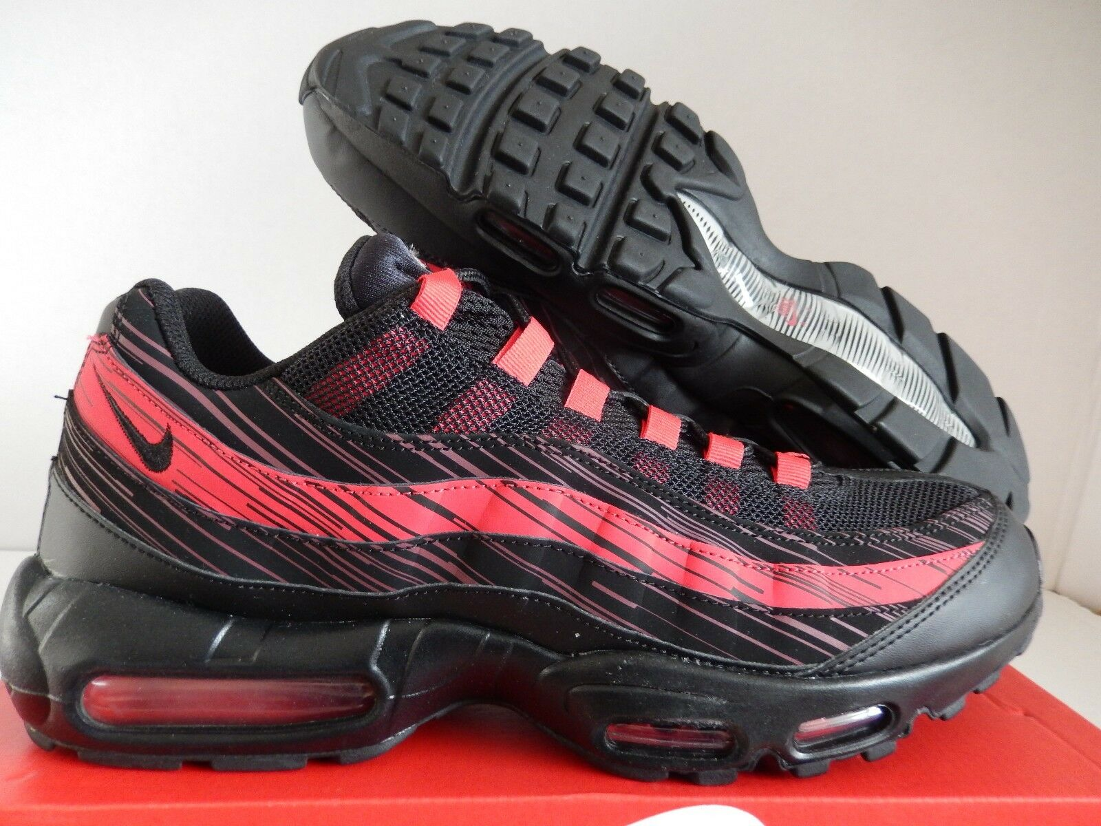 DS Men s Nike Air Max 95 Premium OG Shoes Red Black 538416-066 Size 13 for  sale online  5962ac7b7