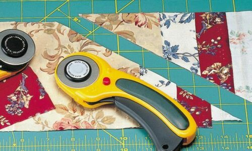 RTY-3 // DX Olfa 60mm Deluxe- Rotary Auto-Save Rund-Cutter mit Comfort-Grip u
