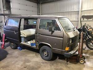 1984 Volkswagen Bus / Vanagon