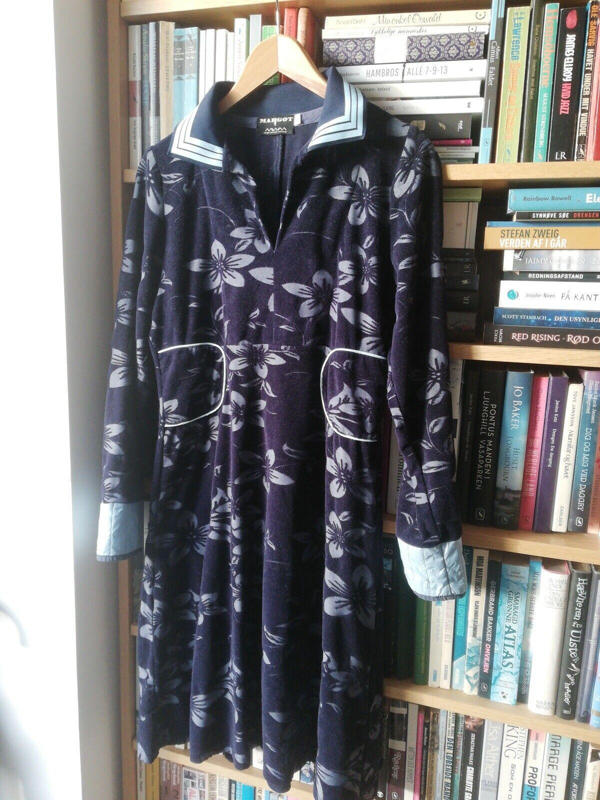 Anden kjole, Margot, str. L