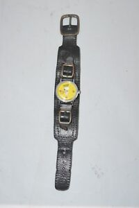 Vintage-SNOOPY-Uhr-Armbanduhr-United-Feature-Syndicate-INC-Watch-Timex-k2