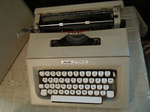 Vintage olivetti lettera 32 portable manual typewriter 1966 great.