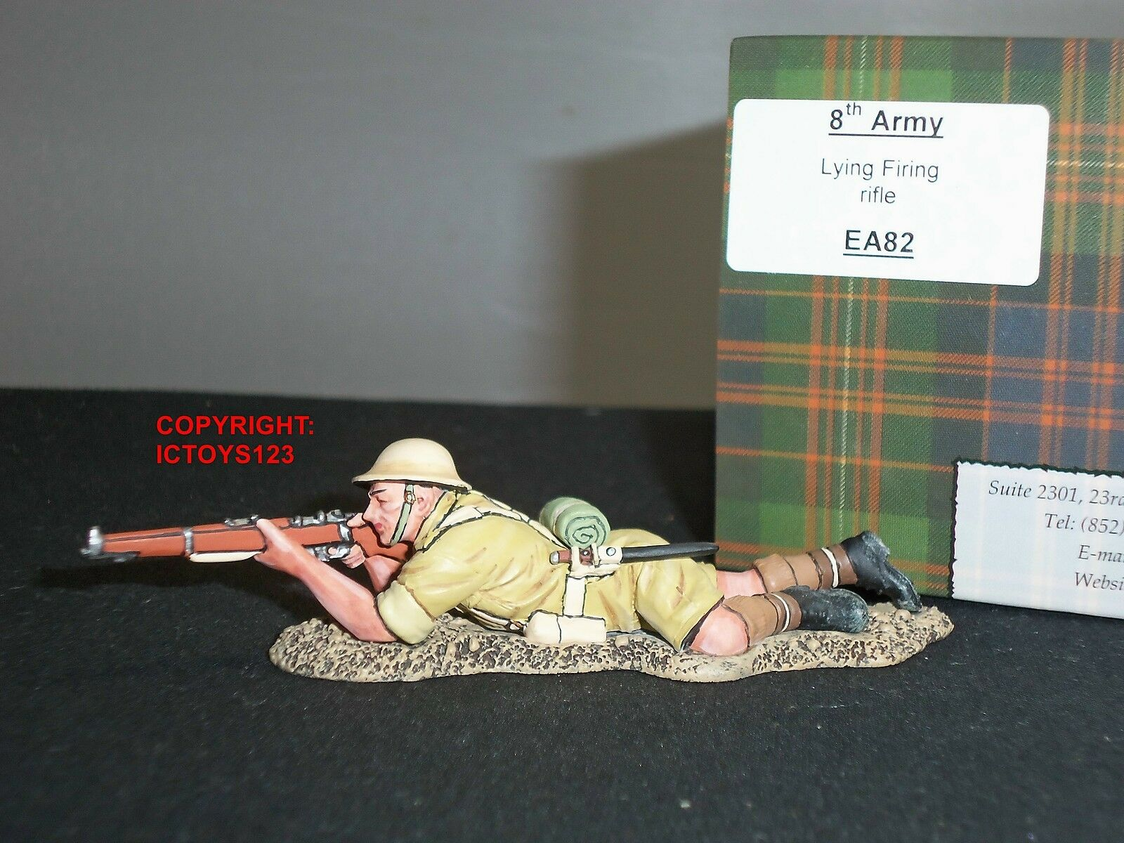KING AND COUNTRY EA82 8TH ARMY BRITISH RIFLEMAN LYING PRONE TOY SOLDIER FIGURE