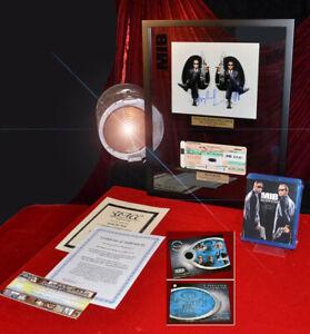 MIB-Men-In-Black-ALIEN-Prop-WILL-SMITH-amp-TOMMY-LEE-JONES-Signed-COA-Frame-DVD