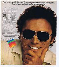 PUBLICITE ADVERTISING 104 1977 Lunettes de soleil POLAROID