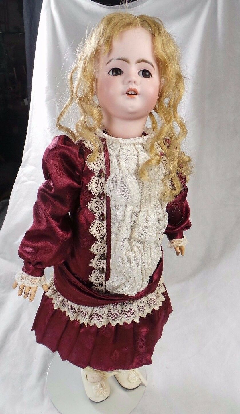 French Depose SFPJ 9 Bisque French Bisque Crier Doll