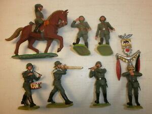 Konvolut-7-alte-Elastolin-Kunststoff-Soldaten-zu-7-5cm-Marschzug-Musiker-Reiter