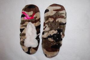 11923cc9ab75 Womens FUZZY BABBA SLIPPERS Slipper Socks TAN BROWN GREEN CAMO Pink ...