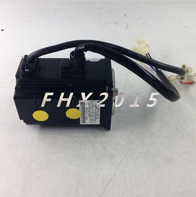 1pcs Yaskawa servo motor SGMPH-01A2A-YR12